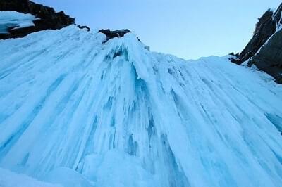 Het plaatsen van een ijsschroef