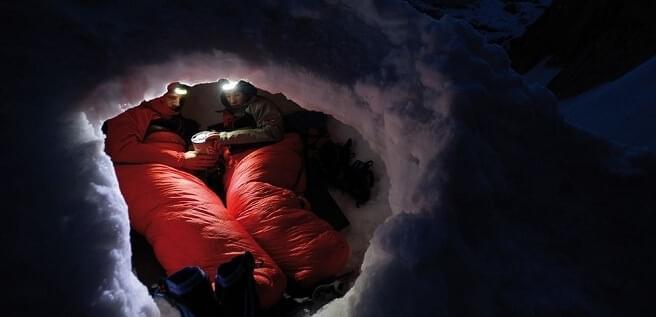 Sommige lakenzakken voegen meer isolatie toe zodat je ook in koude omstandigheden comfortabel kunt slapen