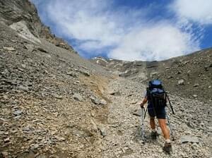 Vooral op losse ondergrond heb je veel ondersteuning aan wandelstokken van Outdorado.com