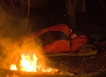 Met slaapzakken moet je oppassen bij ovenvuur. Gebruik een katoenen lakenzak van Outdorado.com