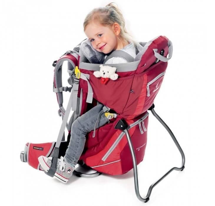 Dankzij de standaard kun je deze kinderdragers ook als camping kinderstoel gebruiken