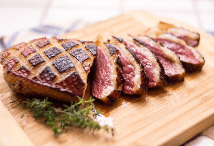 Gerookt vlees op de barbecue