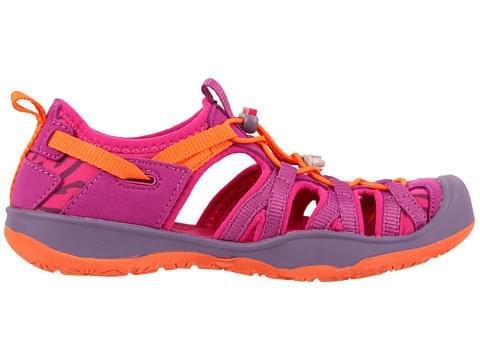 De actieve outdoor kids kunnen met deze sandaal optimaal uit de voeten! de sandaal heeft een zacht voetbed en ...