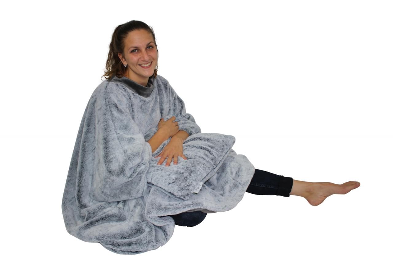 Human Comfort Cuddle Cape Knijn